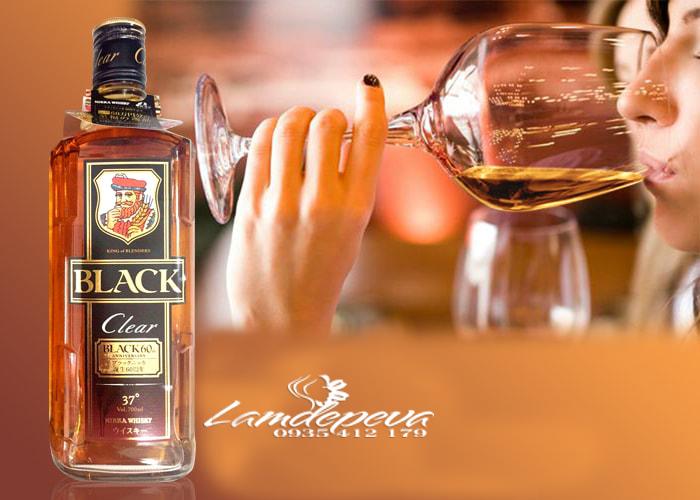 Rượu Whisky Black Clear 700ml chính hãng Nhật Bản