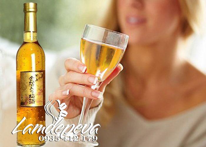 rượu mơ vẩy vàng của nhật