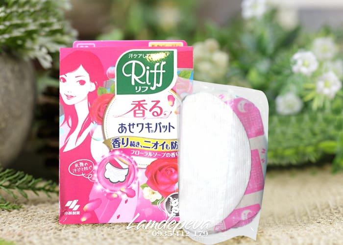 Miếng dán thấm mồ hôi nách Riff hộp màu hồng của Nhật 1