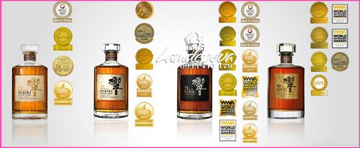 Rượu Hibiki 21 năm Suntory Whisky Nhật Bản chai 700ml 1